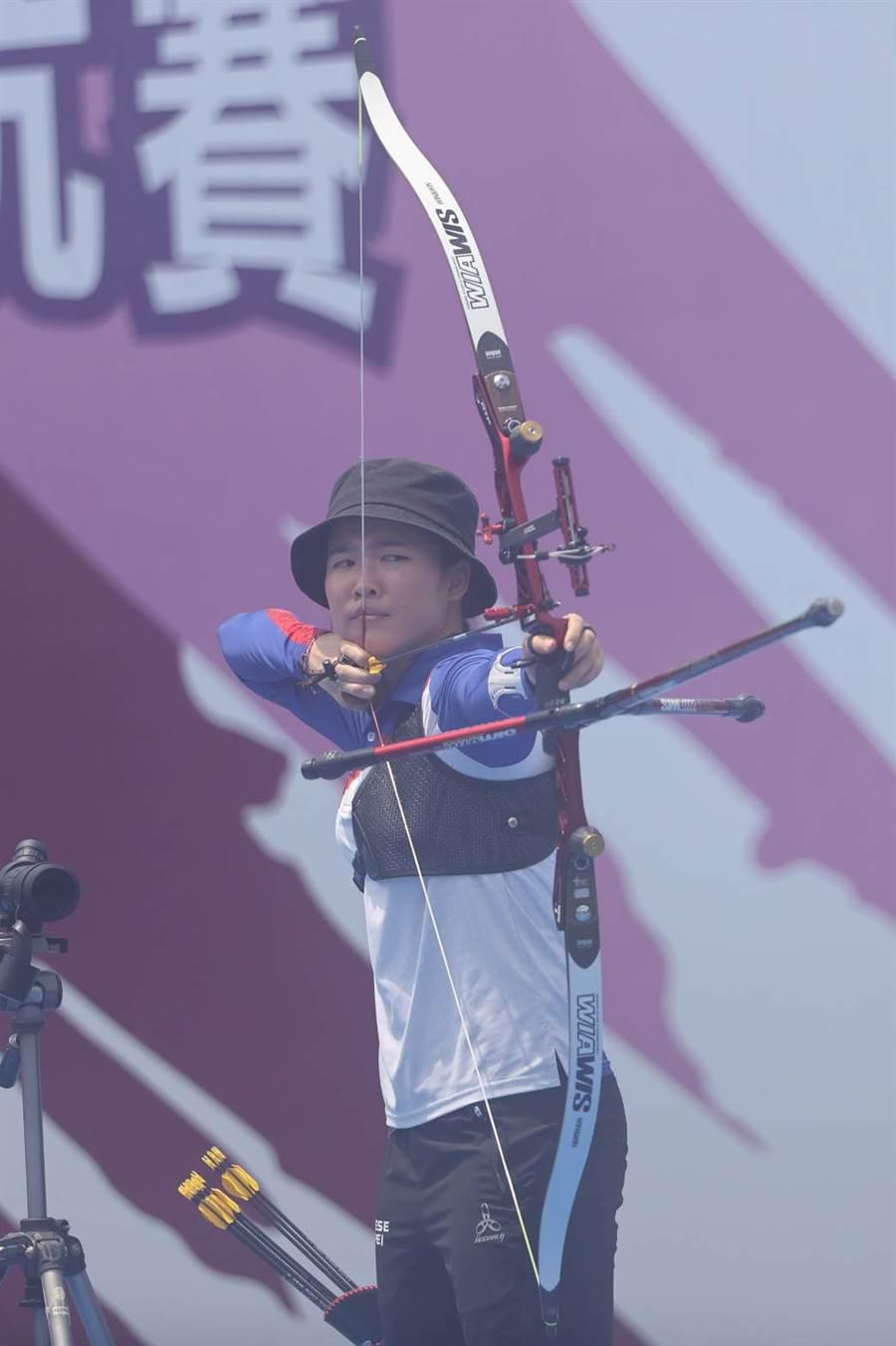彭家楙獲得模擬奧運對抗賽射箭女子個人賽金牌。(國訓中心提供)