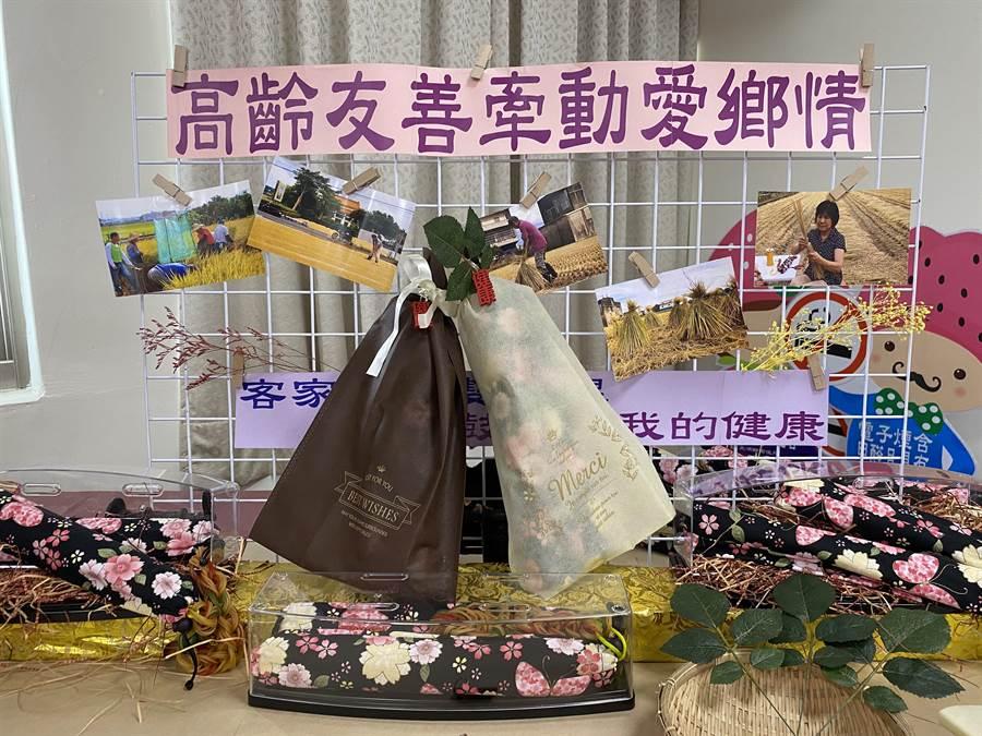 大湖鄉衛生所發揮巧思,善用廢棄稻稈結合客家花布製成彈力稻香雙節棍,用於伸展運動、拍打按摩皆適合。(巫靜婷攝)