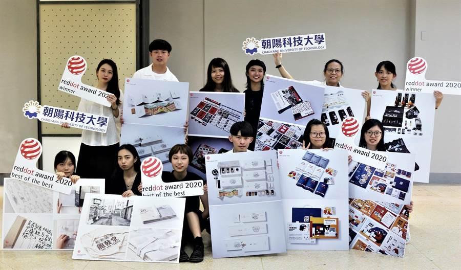 朝陽科大學生團隊參加國際競賽,獲獎連連。(校方提供/林欣儀台中傳真)