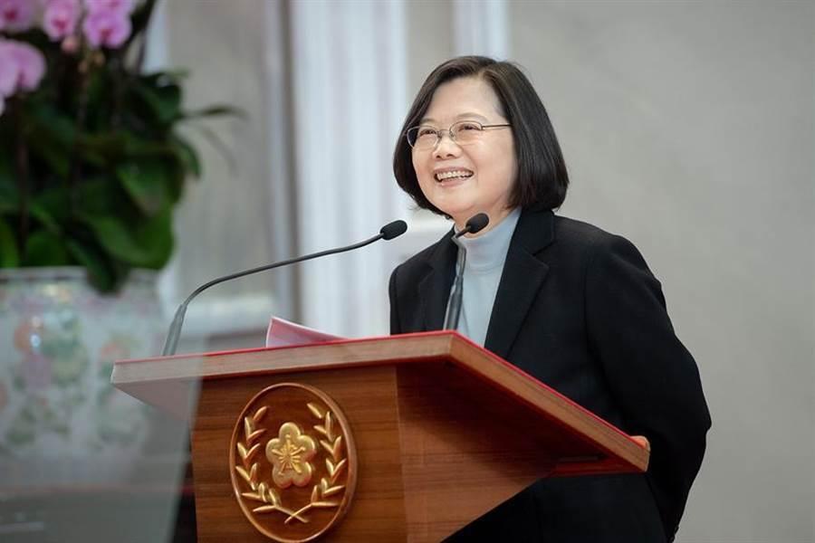 總統兼民進黨主席蔡英文認為,中美關係惡化,台灣要遇到壓力不屈服,得到支持不冒進。(圖/本報資料照片)