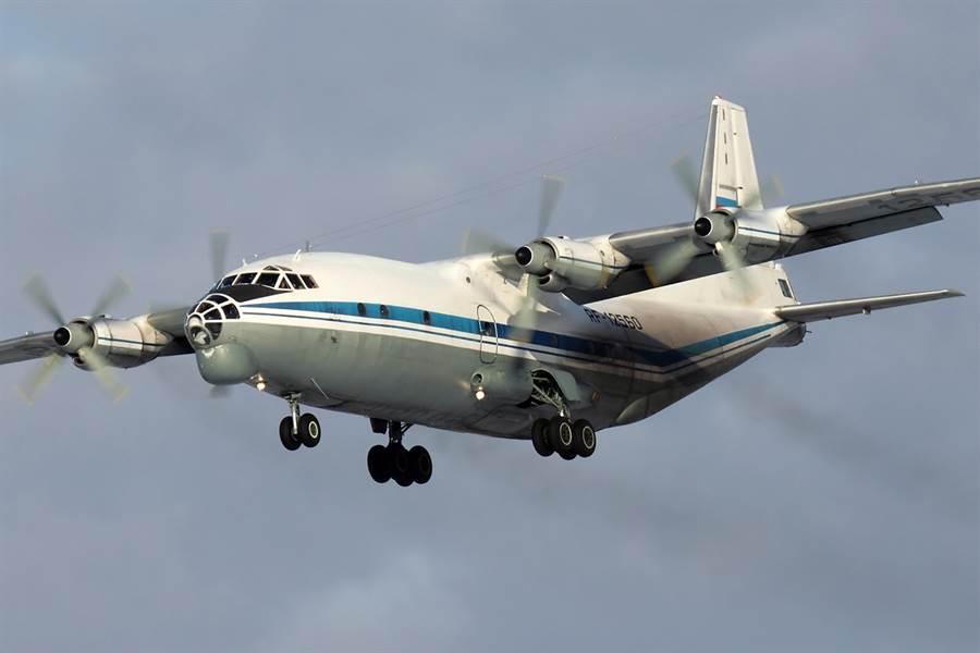 俄羅斯的An-12運輸機。(圖/俄羅斯空軍)