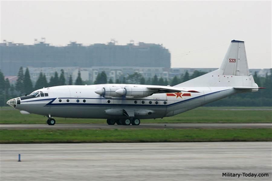 大陸在1960年代仿造AN-12,成為運8,機鼻模樣有些不同。(圖/Militarytoday)