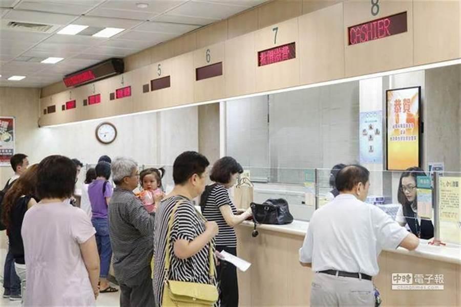 維持了百餘天的風平浪靜後,台灣新冠疫情有再度復甦趨勢 (示意圖/本報資料照)