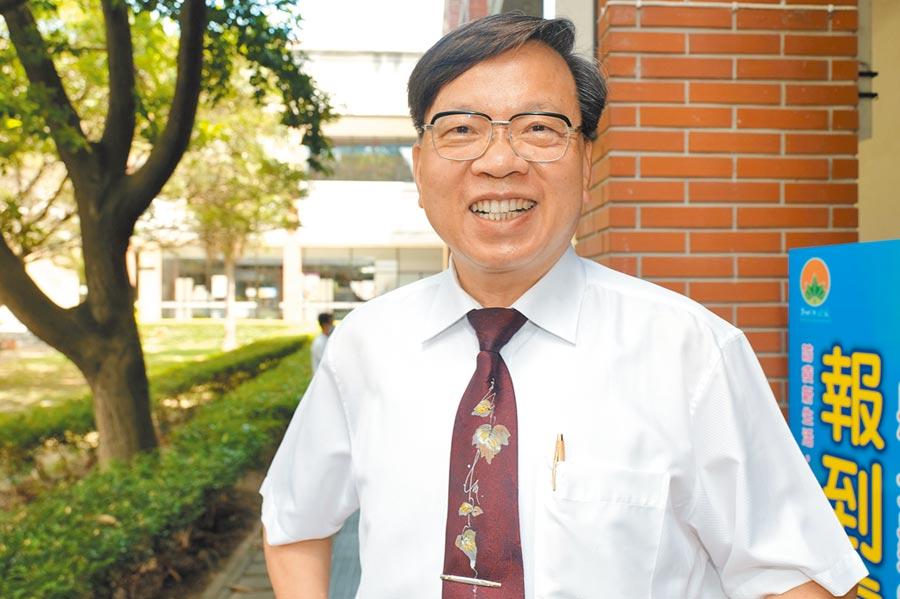 新竹縣教育界有「第1名校長」稱號的黃增新。(羅浚濱攝)