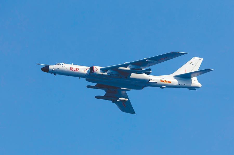 大陸轟炸機轟-6N。(人民視覺)