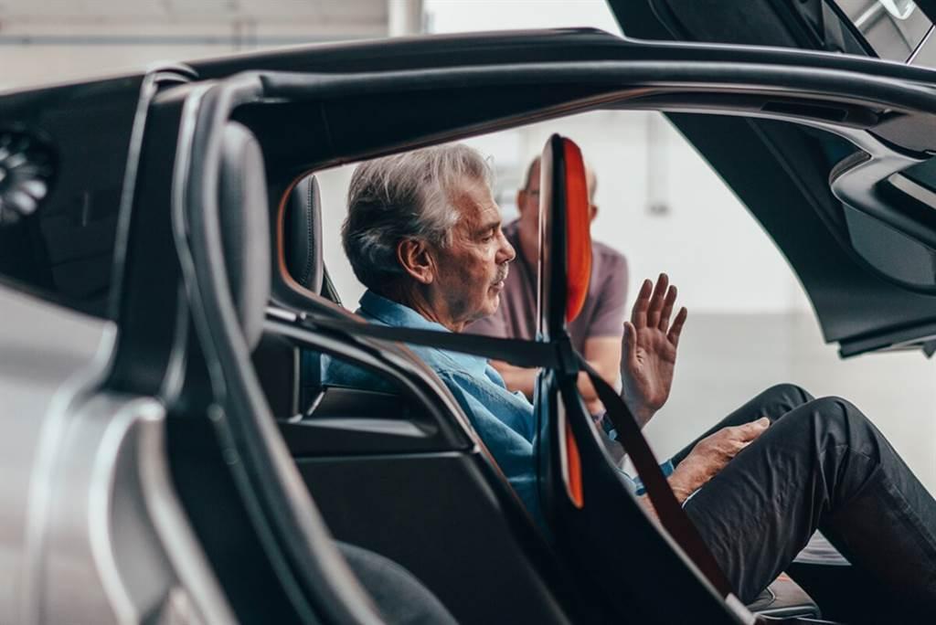 自然進氣三人座終極超跑:Gordon Murray Automotive T.50正式亮相!