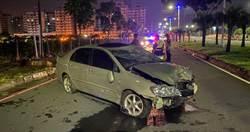 醉男酒精濃度爆表自撞路樹 員警怒斥:喝成這樣還開車