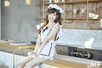 橋本有菜裸照吸粉 裝清純C奶打趴一缸子巨乳女優