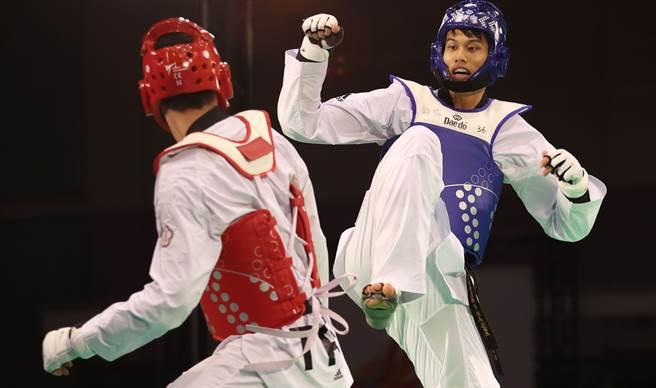 跆拳道好手劉威廷(右)目前先專心備戰奧運。(國訓中心提供)