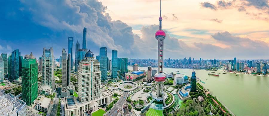 人行上海总部5日召开下半年工作会议,将加速加强长三角一体化建设。(shutterstock)