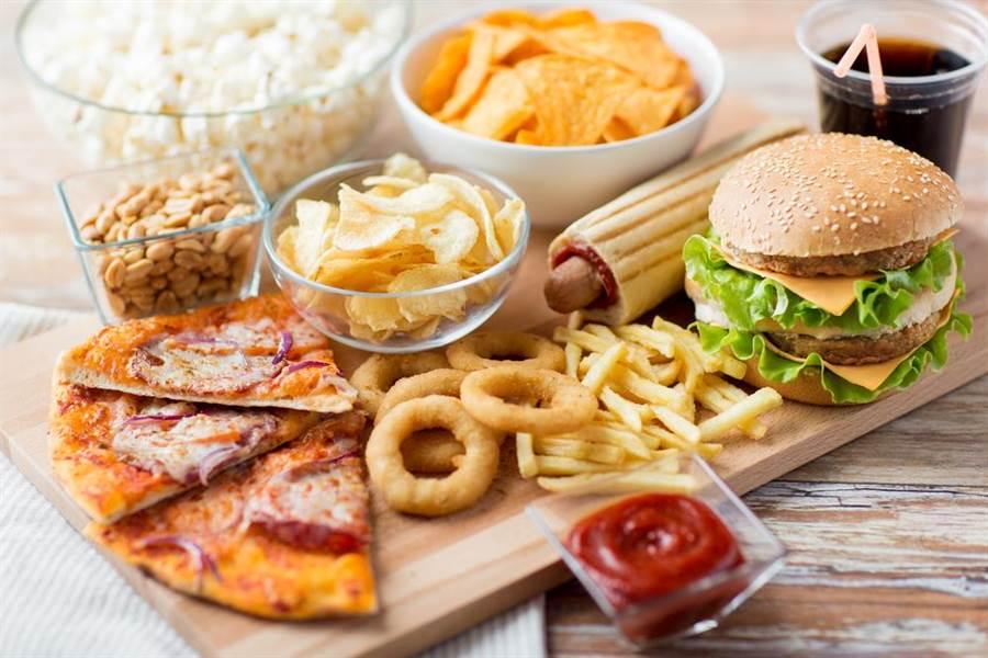 網友紛紛回味速食餐廳曾經推出的限定美食。示意圖。(圖片來源/達志影像shutterstock提供)