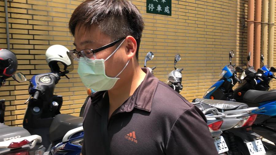 開槍誤擊少年的員警劉政國。林偉信攝