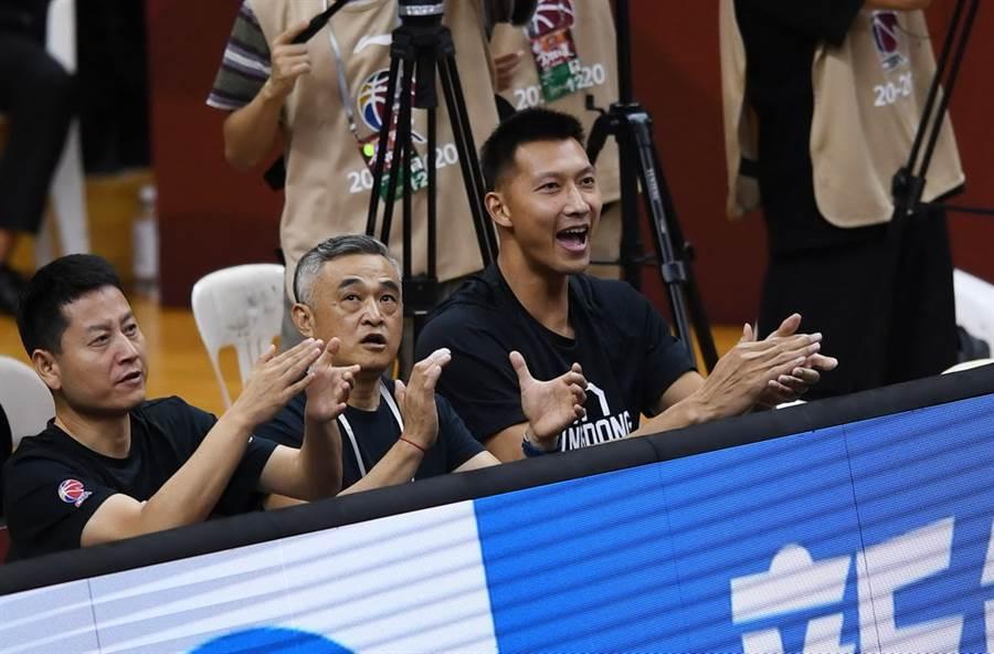 廣東前鋒易建聯仍因腿傷缺席6日季後賽。(新華社)