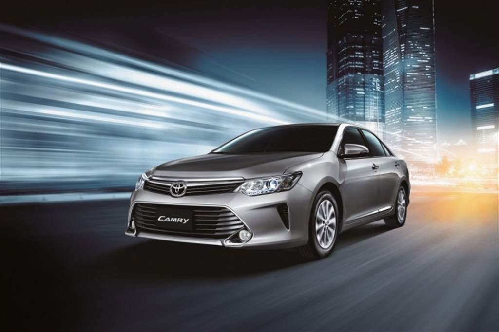 國產中大型房車級距正式滅絕,Toyota Camry Classic 2.0 汽油雅緻型 8 月停產、庫存持續販售