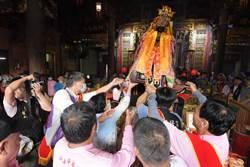 萬人擁簇!南瑤宮媽祖連7聖杯允起駕 3天2夜笨港進香儀式一樣不少