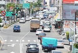 國1豐原交流道入口混亂 守法用路人怨:10車有8輛插隊