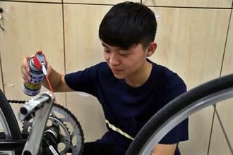 嘉義創客少年自己修車、水電  省錢又有自信感