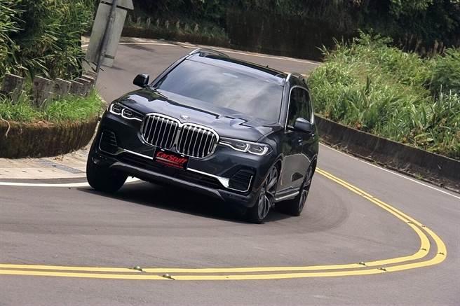 BMW X7以大博小的駕馭樂趣