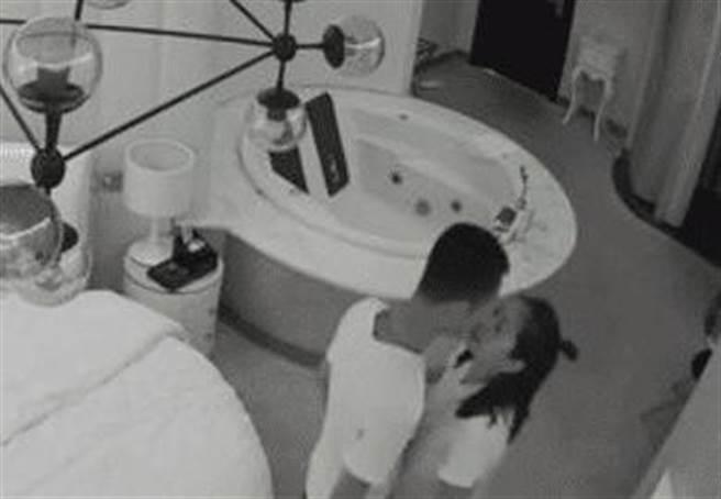 大學情侶旅館住3天遭「現場直播」  40分鐘激戰片流出5萬人搶看