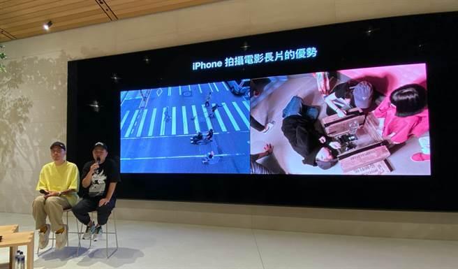 《怪胎》導演廖明毅(右)與片中演員張少懷暢談拍攝甘苦談。(黃慧雯攝)
