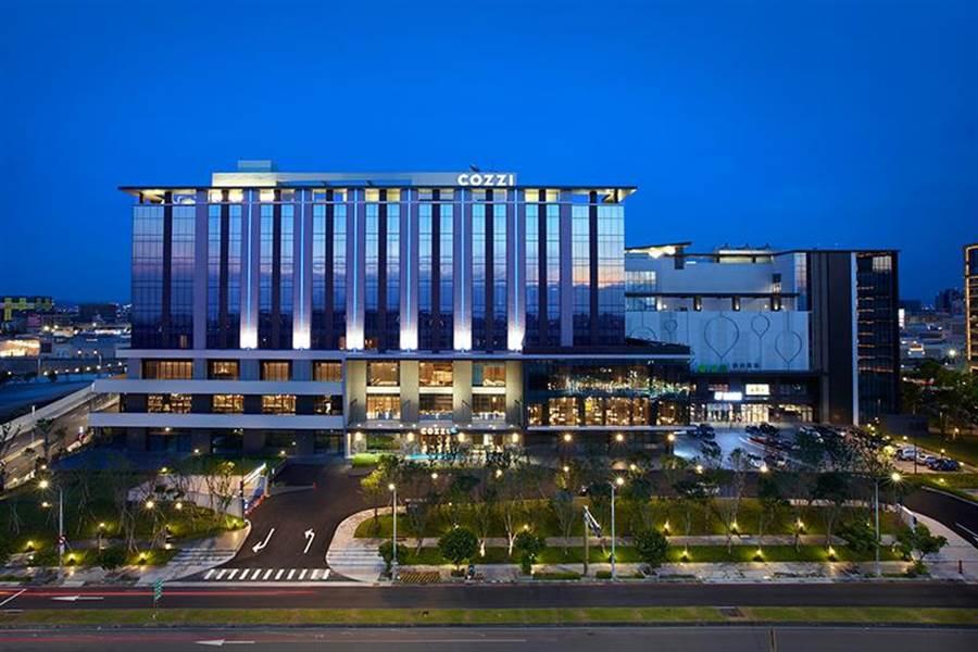 國泰飯店事業旗下旗艦品牌「COZZI Blu和逸飯店.桃園館」結合日本橫濱八景島Xpark水族館。(和逸提供)
