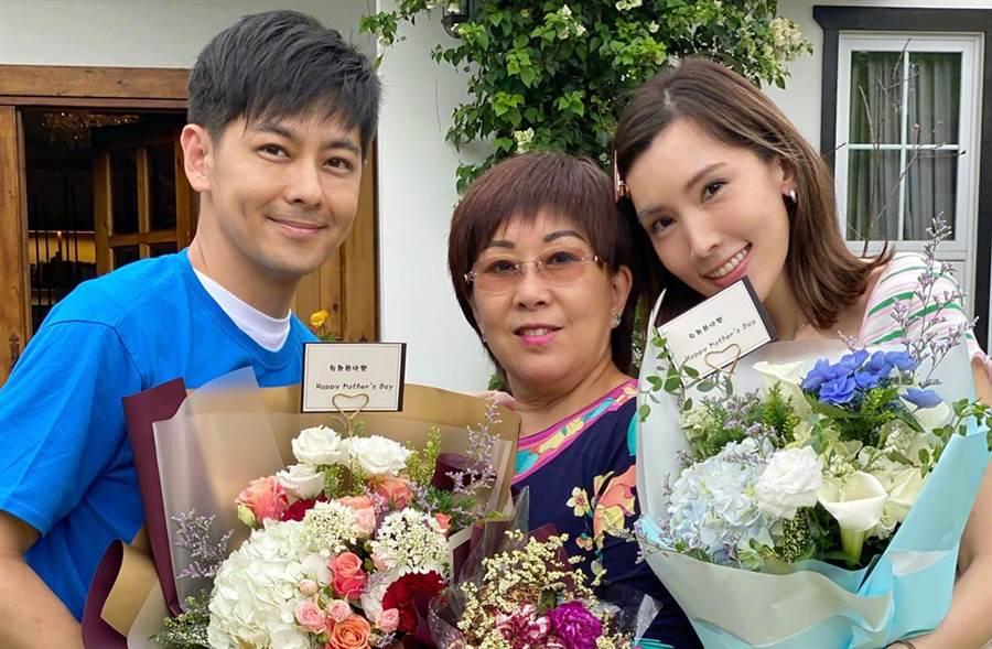 志穎近日帶著媽媽和老婆陳若儀上陸綜《婆婆與媽媽》。(圖/翻攝自微博)
