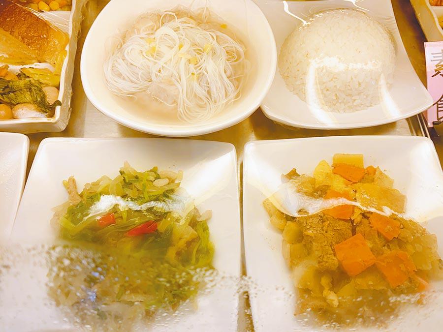 晚餐芋頭米粉湯等,3人胃口很好,食物也都吃完。(張睿廷攝)