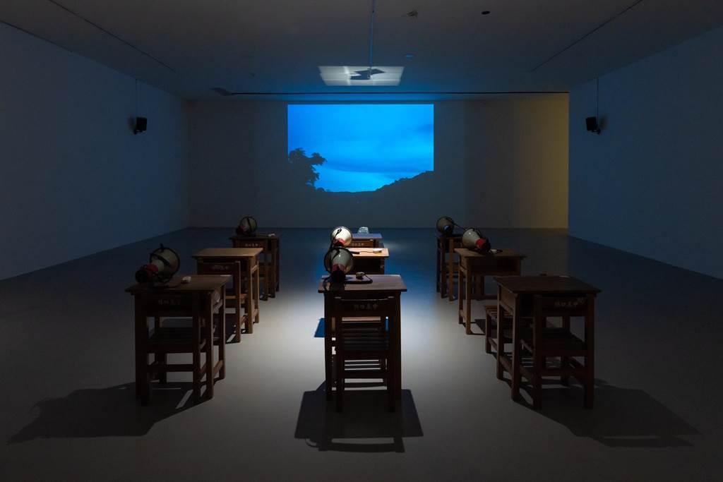 阮慶岳的〈山徑躊躇—我的小說拯救計畫〉透過朗讀拯救小說。(北美館提供)