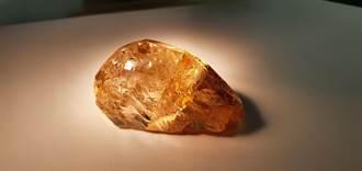 俄羅斯又發現一枚稀世大彩鑽 重236克拉