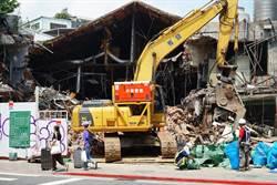 士林陽明戲院拆除照片曝 網淚:滿滿的回憶