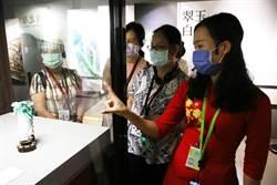 越南、印尼新住民體驗故宮  東南亞語導覽員介紹翠玉白菜