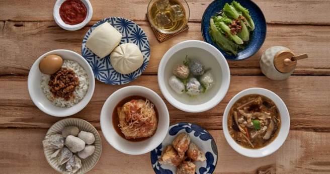 又又五小福湯、一口小阿給及各式餐點。(圖/福又又淡水魚丸提供)