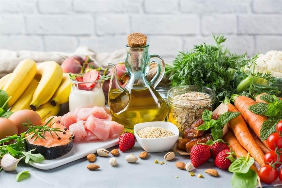 得舒飲食被認為是預防與改善高血壓最有效的飲食法。(達志影像/shutterstock)