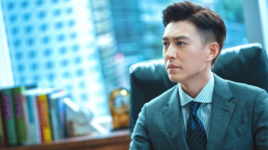 《精英律師》靳東。(中天娛樂台提供)