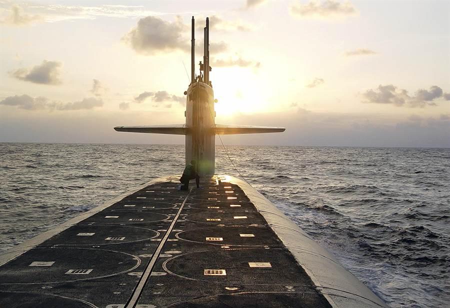 美國俄亥俄級彈道導彈潛艦懷俄明州號。 (美聯社)
