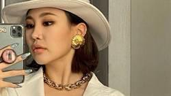 23歲女星「西外開中門」辣曬Y型深溝超惹火
