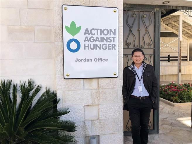 方建翔參與Action Against Hunger在約旦的計畫,負責前期的市場調查,了解農民對堆肥的看法。(圖/方建翔攝)