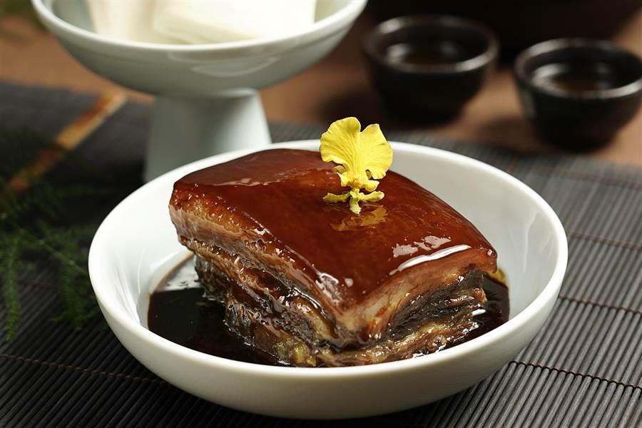 「傳說烤方佐美人茗」為老店「上海鄉村」招牌菜—東坡肉。圖/THE上海提供