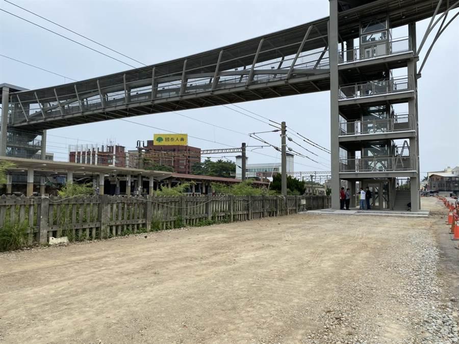 大甲火車站後站將新闢停車場。(陳淑娥攝)