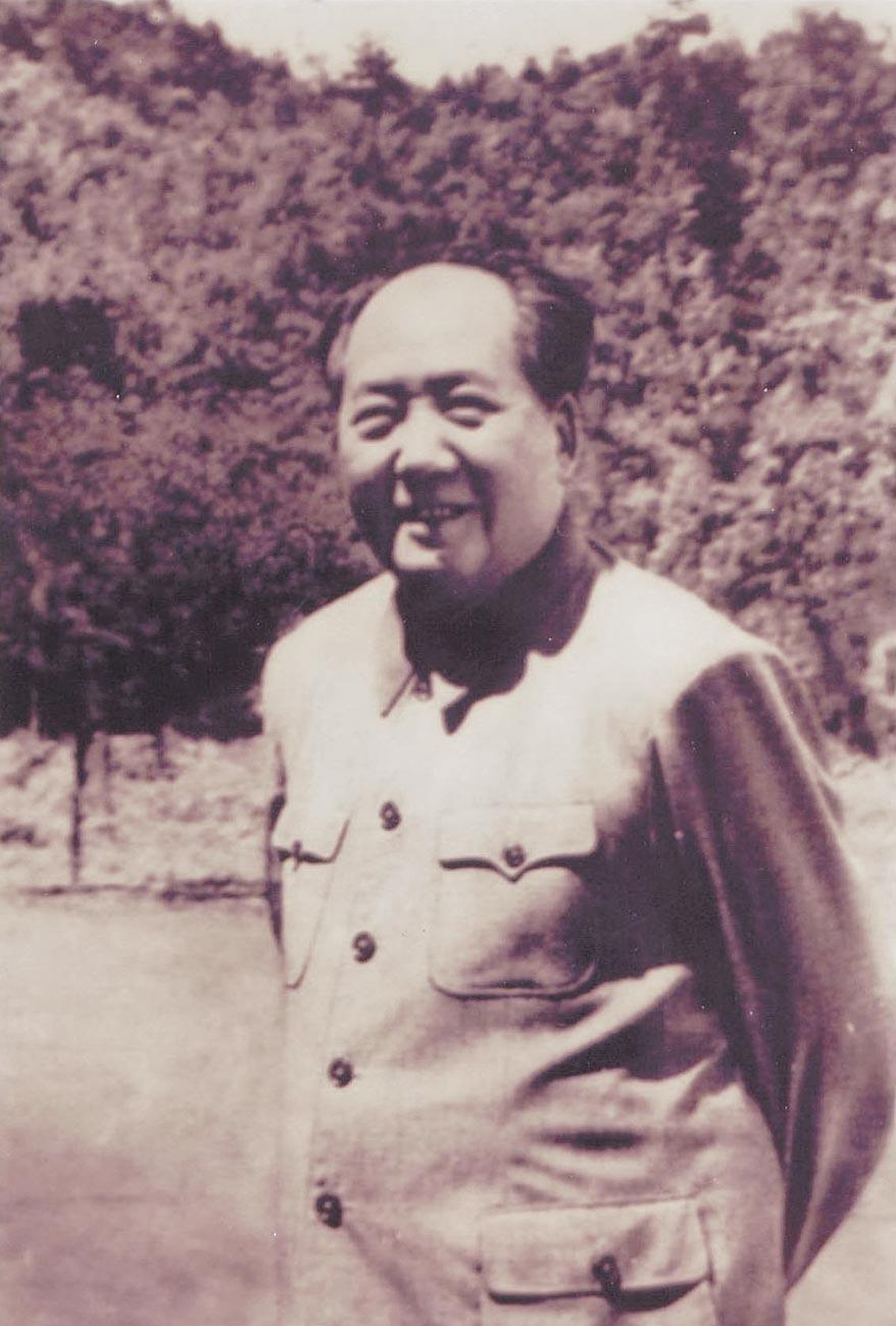 1965年5月,毛澤東在江西井岡山賓館。(中新社)