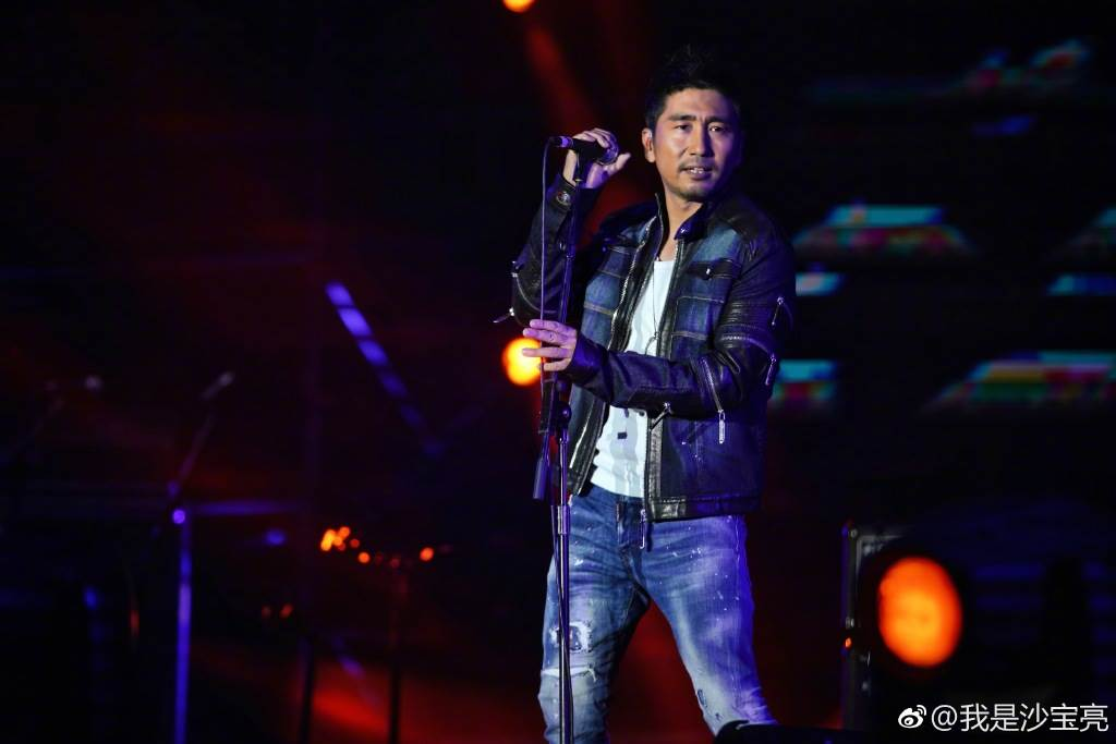 大陸男歌手沙寶亮。(圖/翻攝自微博)