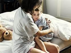 令人心痛的遺言!8歲兒說完「我愛妳」 在母親懷裡離奇過世