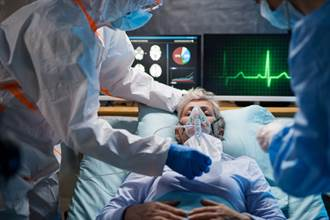 对抗秋冬疫情 胸腔科医:治疗比的是气长