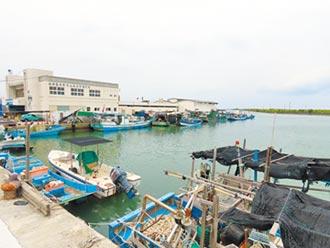 雲嘉養殖戶收吊蚵 漁船進港避難