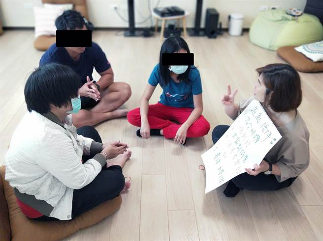 兒少受虐事件頻傳,台南市政府社會局家防中心積極發展多元化親職教育服務。(社會局提供/洪榮志台南傳真)