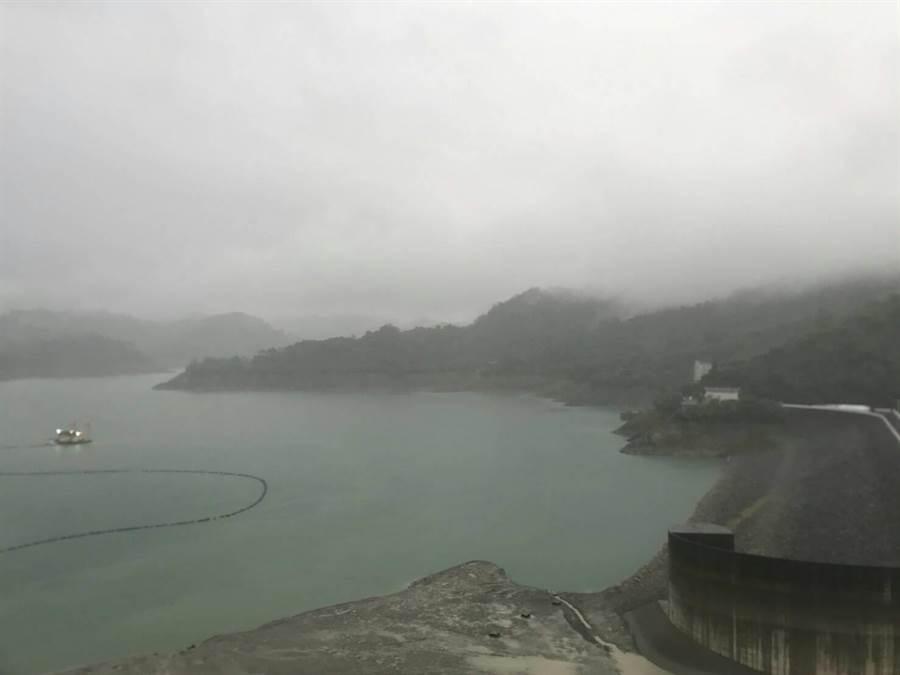 米克拉颱風遠離,曾文水庫集水區到傍晚5點累積降雨量為5毫米,對水庫水量沒有太大助益。(南水局提供/劉秀芬台南傳真)