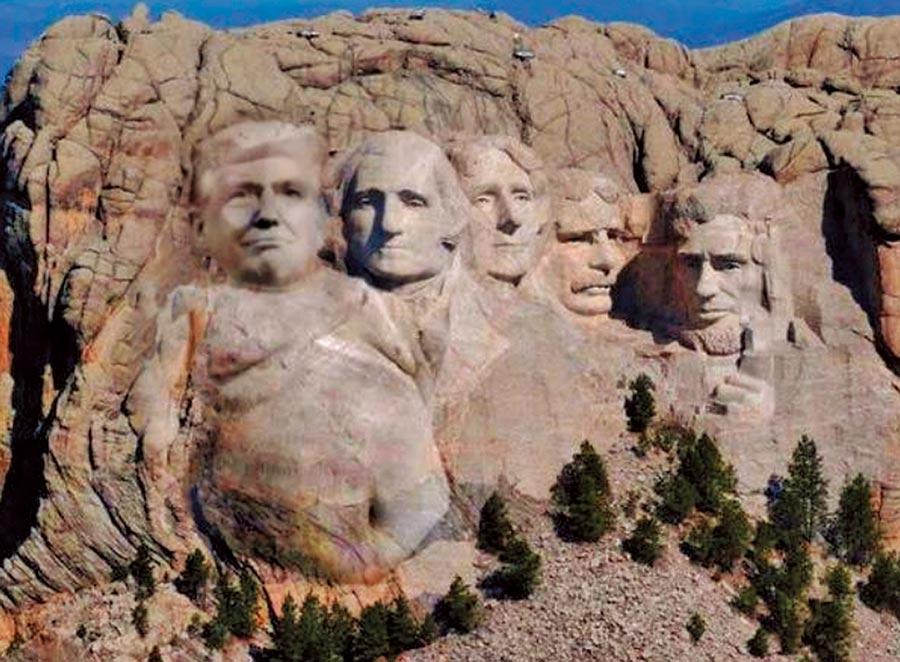 美國總統川普被媒體爆料,肖想在南達科塔州地標總統山的4總統雕像旁,加上自己的頭像。雖然川普否認,但卻喜孜孜稱「這點子不錯。」推特鄉民發揮惡搞功力,把川普的頭P上總統山,令人莞爾。(翻攝網路)