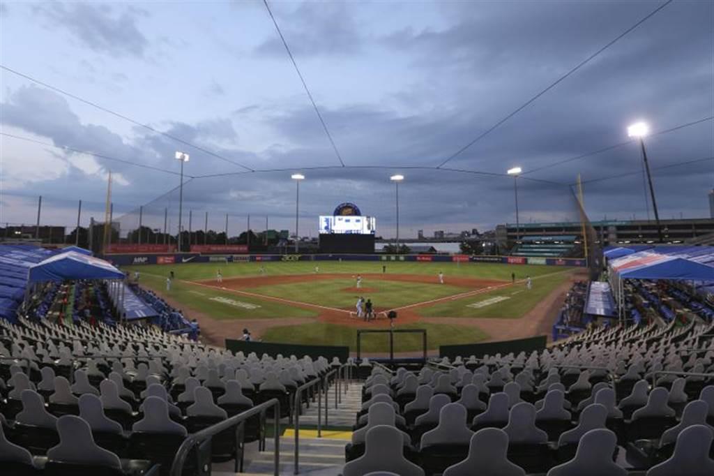 今年藍鳥隊主場就安排在水牛城的3A野牛隊主場「薩倫球場」。