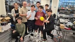 辦理暑假智慧機器人體驗課程   蔡培慧勉勵學童探索未來發展的可能