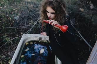 男子河邊挖到詭異玻璃瓶 竟是17世紀「女巫瓶」